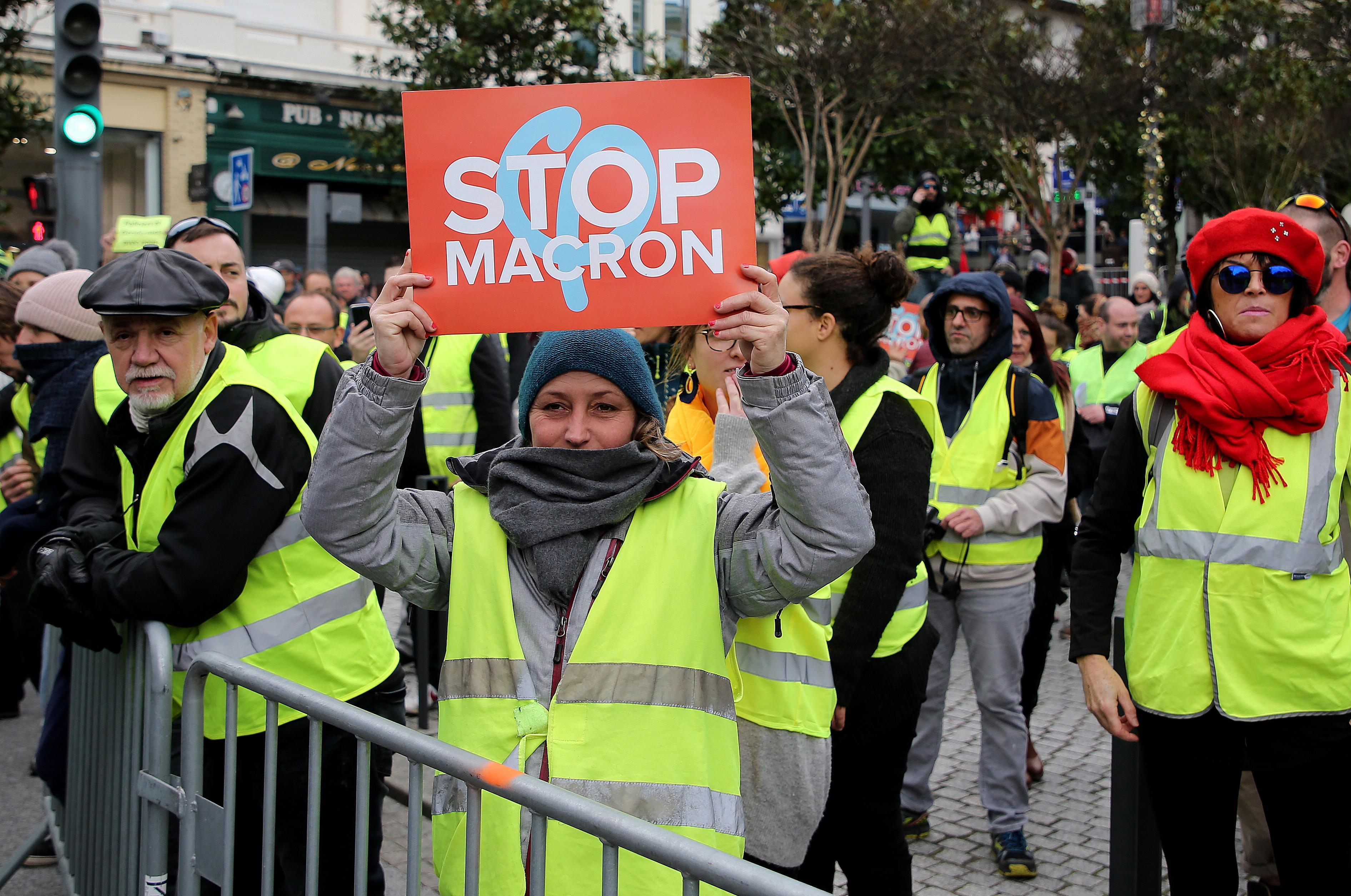 La rivolta dei gilet gialli: dalla carbon-tax al dissenso verso Macron