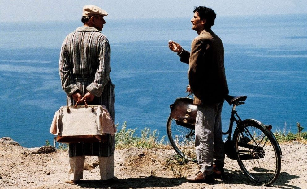 """Il film """"Il Postino"""" ci insegna che tutti possono essere poeti"""