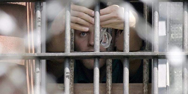 Zimbardo costringe gli studenti a recitare nelle carceri, altro che OITNB!