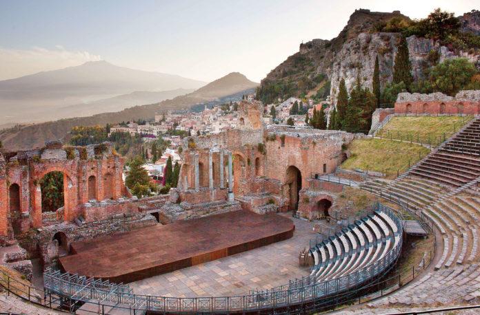Dal teatro greco alla TV spazzatura: l'educazione del popolo votante