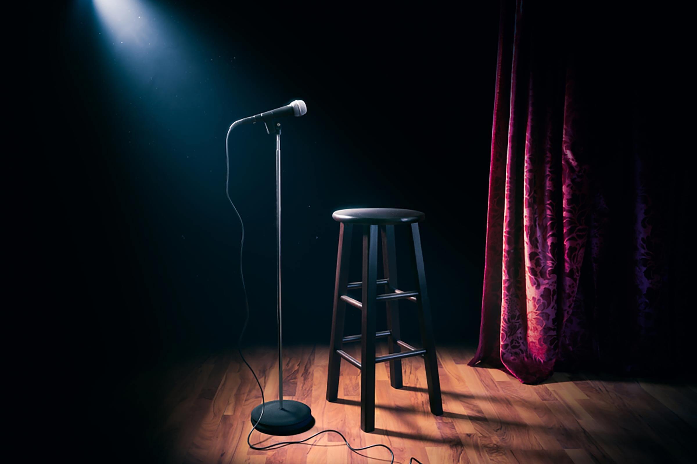 Filosofia e stand-up comedy per squarciare il velo di Maya