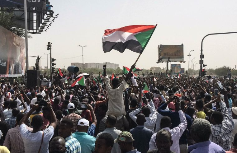 Proteste e massacri in Sudan: la rivoluzione secondo le teorie di Slavoj Žižek