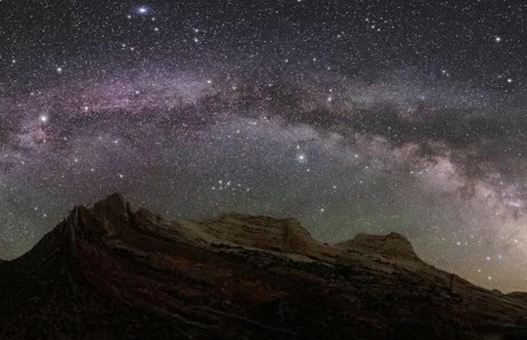 Viaggi lunghissimi con lo scopo di colonizzare altre galassie con navi spaziali