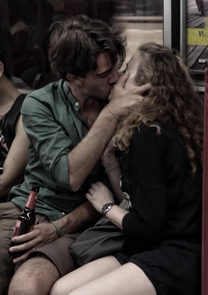 6 luglio giornata mondiale del bacio: Catullo, Saffo e D'Avenia per capire perché ci baciamo