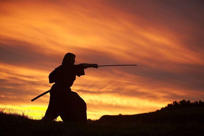 L'ultimo Samurai: l'autodistruzione positiva del pensiero vs l'uscita dalla minorità illuminista