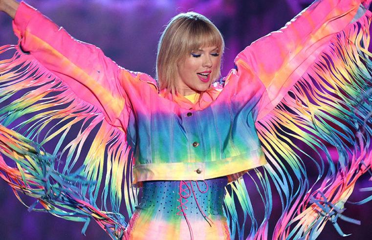 """Dai baci di Catullo a """"Lover"""" di Taylor Swift: un amore totalizzante"""