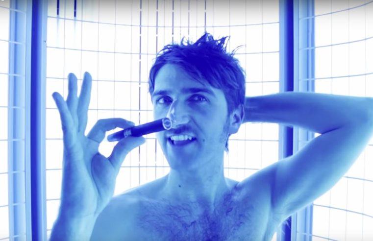 La sigaretta elettronica che fa sembrare attraente Tony Cotina è più letale di quanto sembri