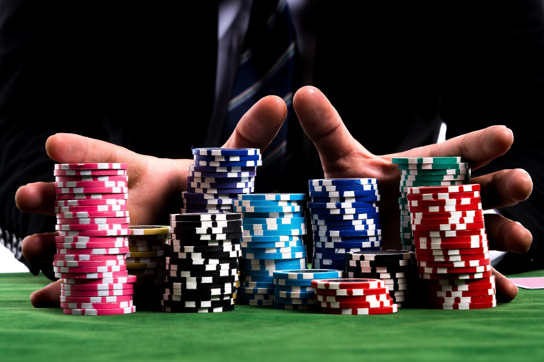 Poker – Come i giocatori professionisti usano la matematica per assicurarsi la vittoria