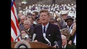 La Luna da come la vedeva J.F. Kennedy a oggi: cos'è cambiato?