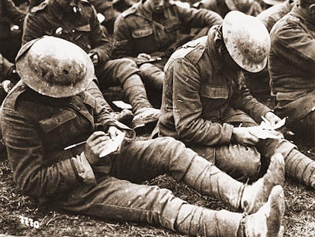4 Novembre: dal festeggiare la guerra al ricordarne le brutalità con gli occhi dei letterati