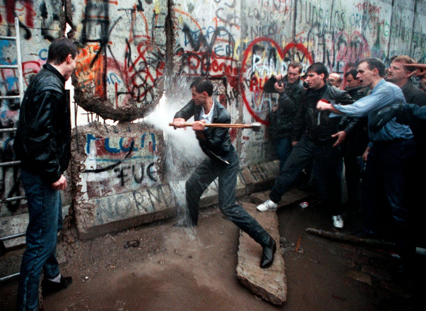 30 anni dopo il Muro di Berlino, le paure dei Pink Floyd non cambiano