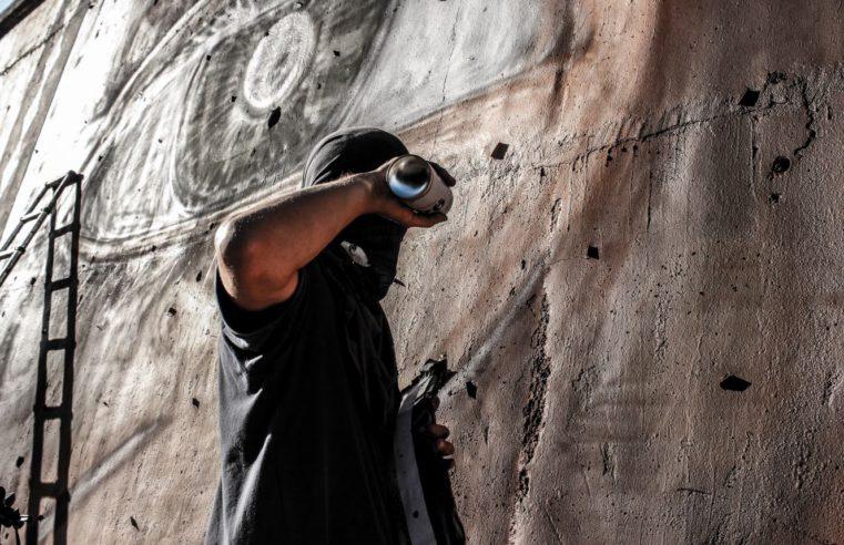 Una buona vernice è alla base di ogni capolavoro, ce lo dimostra Jorit Agoch