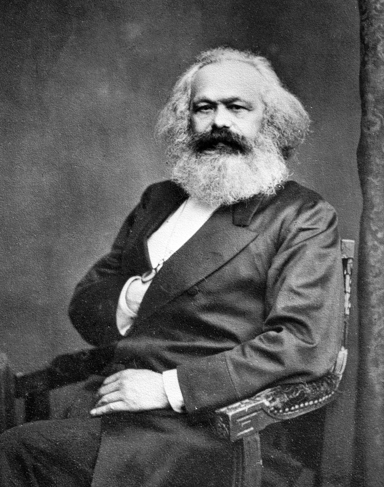 Manifesto del Partito Comunista e Manifesto Socialista per il XXI secolo: due opere a confronto