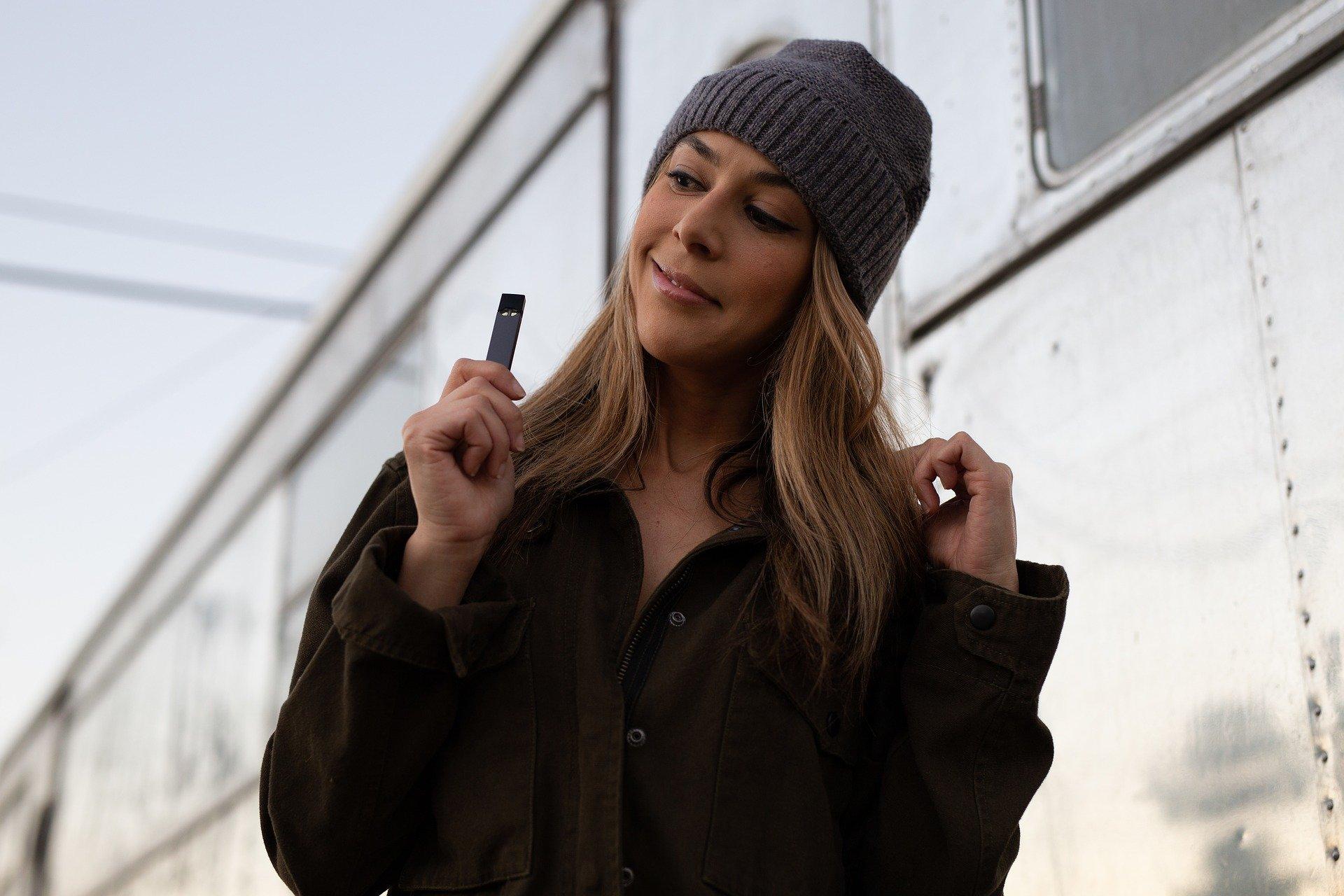 Sigarette: elettroniche o no per la scienza bisogna stare attenti allo stesso modo