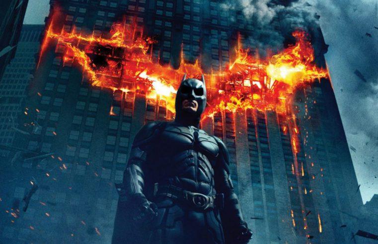 Batman e Cassirer ci spiegano la valenza del simbolo mitico, ponte verso l'eternità