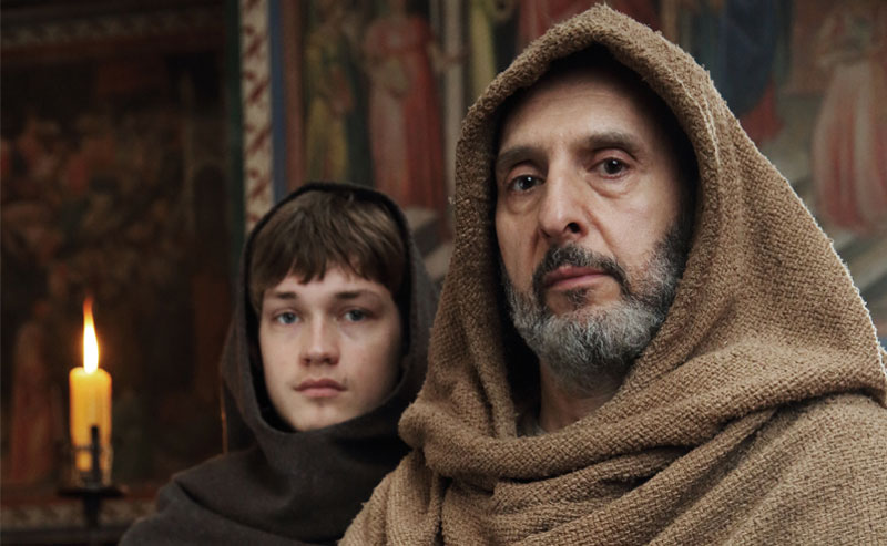 Il Nome della Rosa: con il famoso romanzo Umberto Eco ci riporta nel Medioevo