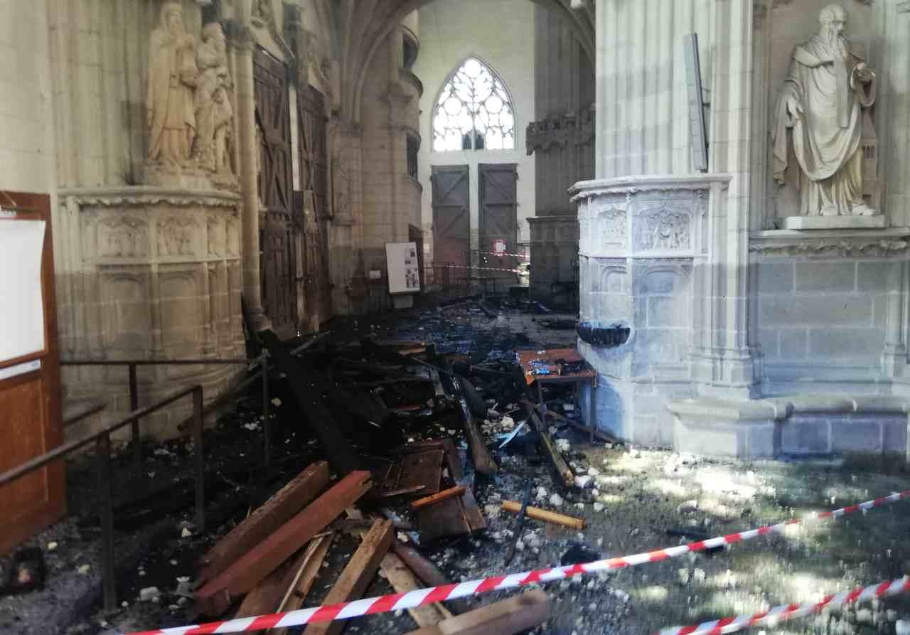 Nantes e la sua cattedrale: anni di storia andati al rogo?